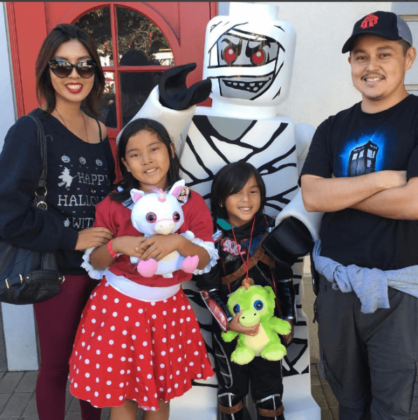 family-time-at-legoland-brick-or-treat-2016